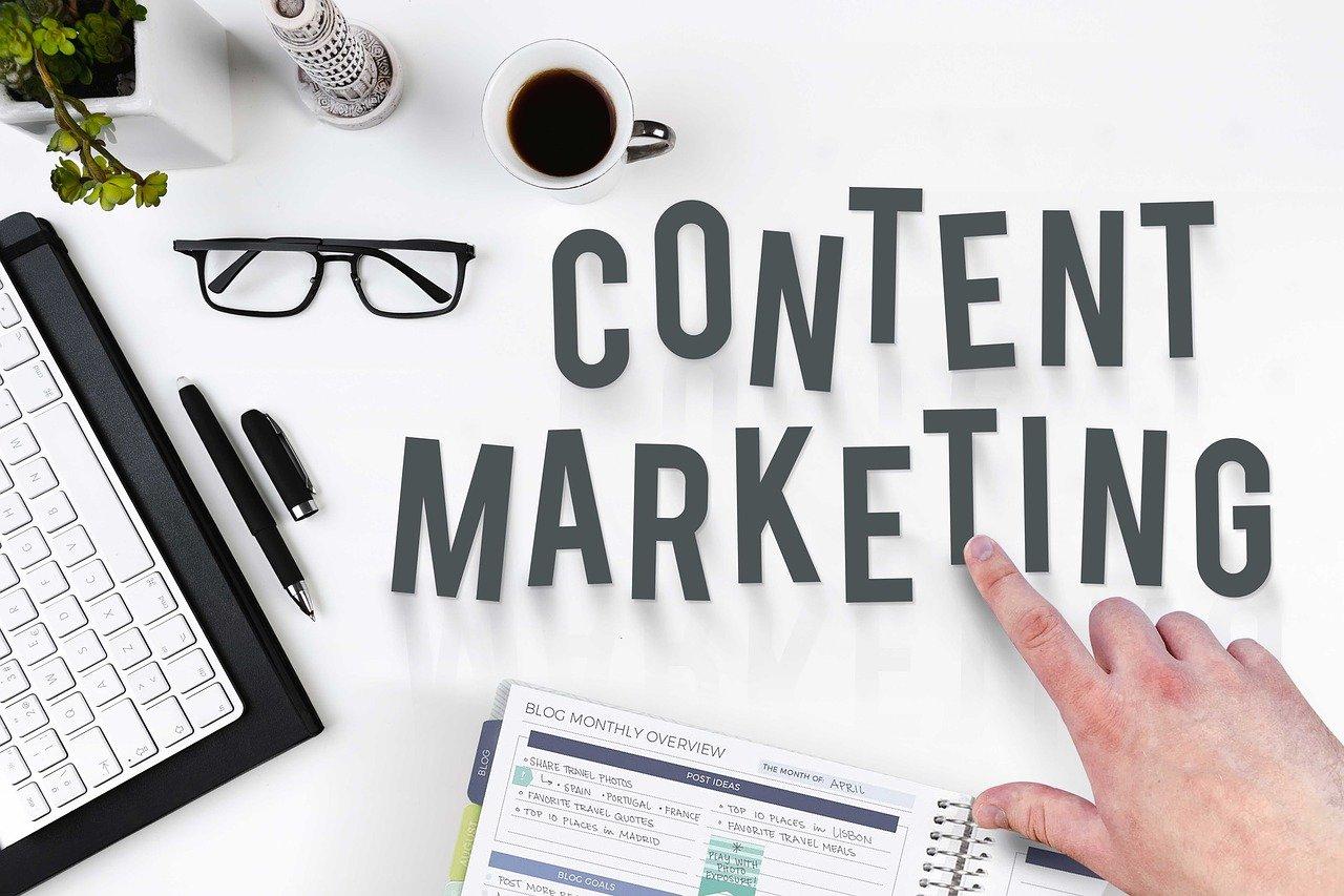Médias et réseaux sociaux en marketing B2B